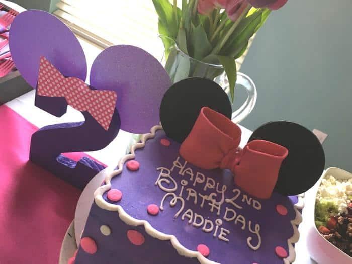 Sensational Minnie Daisy Birthday Cake The Whole Cook Personalised Birthday Cards Vishlily Jamesorg
