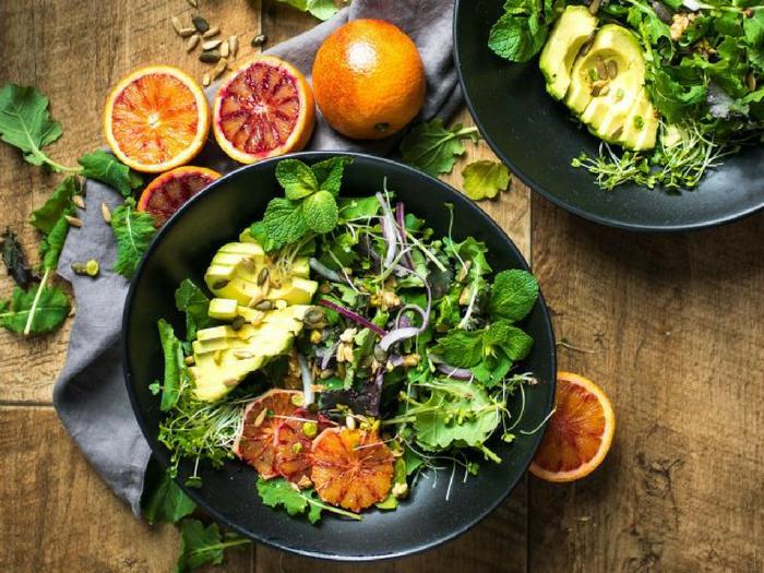 Blood Orange Salad with Balsamic Vinegar Dressing by Lauren Caris Cooks