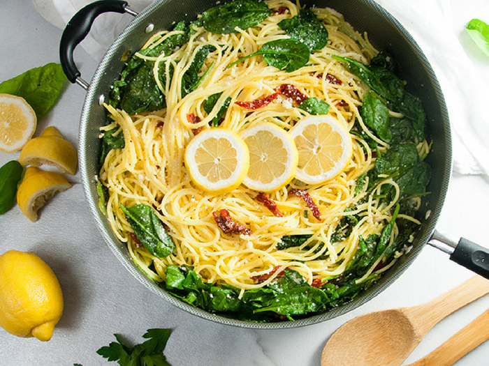 Lemon Spinach Pasta with Sun Dried Tomatoes by Seasoned Sprinkles